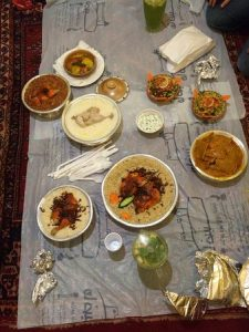 مطعم قرية الروازن التراثية في الخبر
