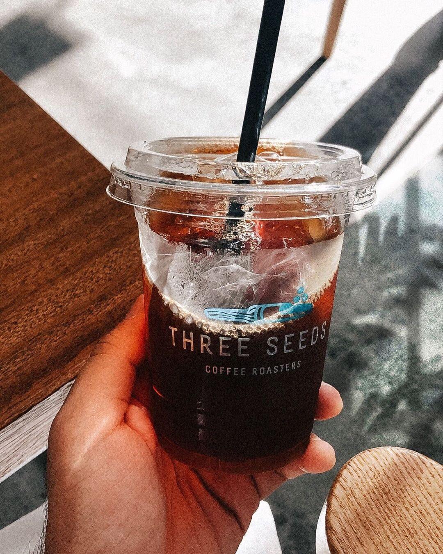 محمصة قهوة ثري سيدز